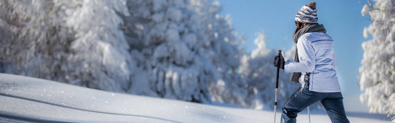 In inverno, Levico Terme ti aspetta con molte opportunità di svago e attività all'aperto. Aria pura, panorami e spasso sulla neve.