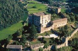 I due volti di Castel Pergine