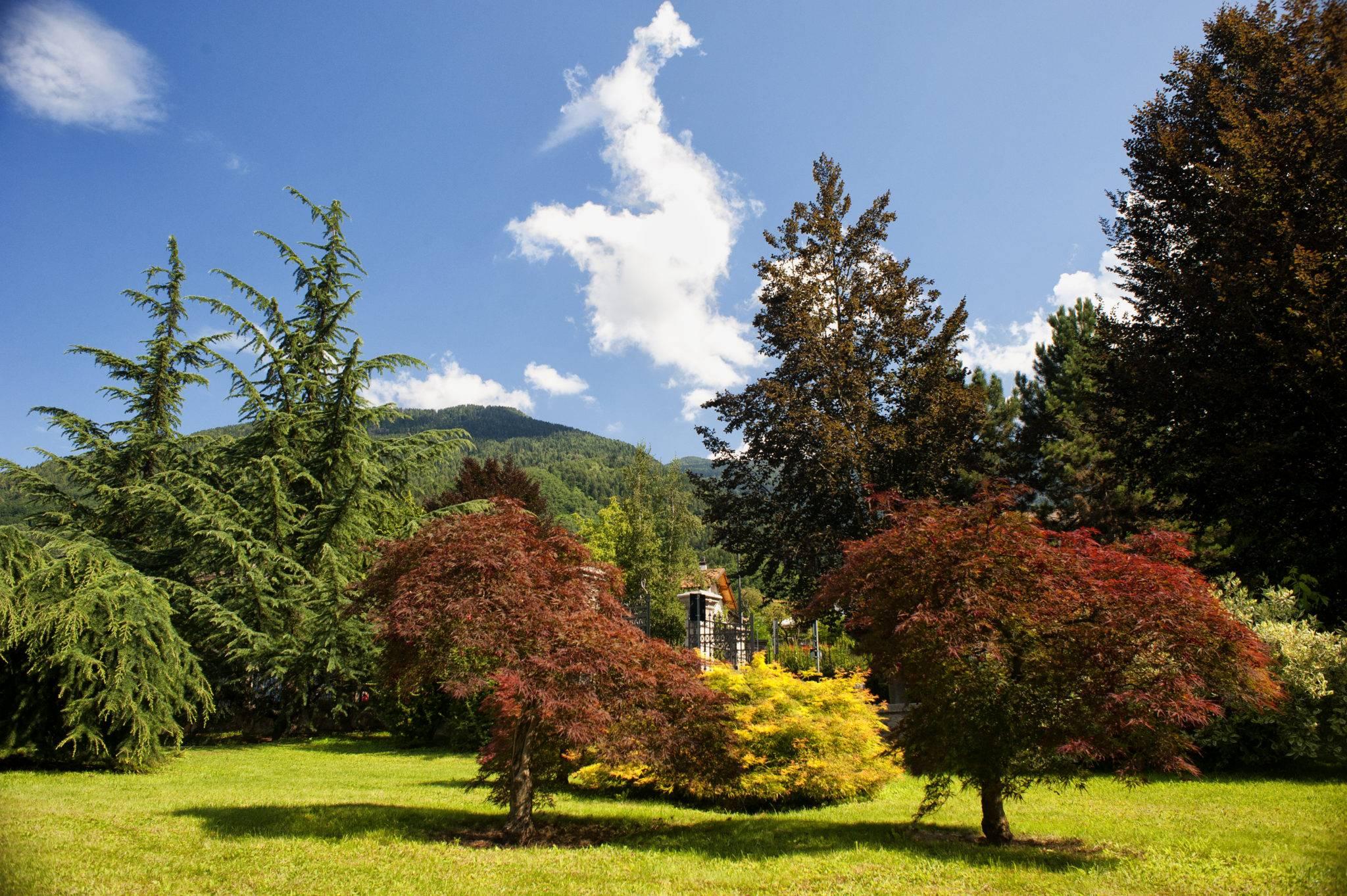 Parco delle Terme in autunno a Levico